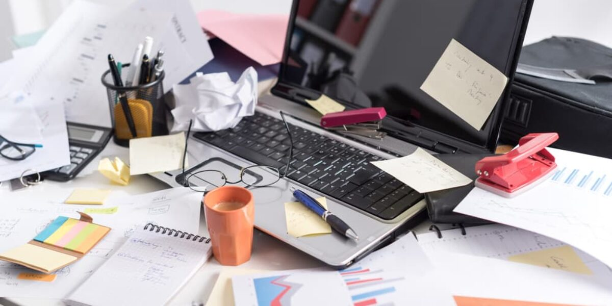 How to Establish a Clutter-Free Desk Policy